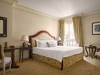 Chambre_deluxe_hotelmetropolemc_w-pryce-jpg