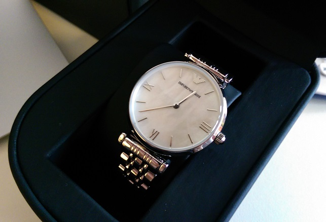 ar1682 armani watch