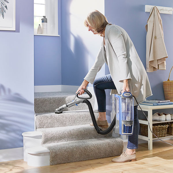 Shark Rotator Powered Lift Away Upright Vacuum Cleaner Nv680uk