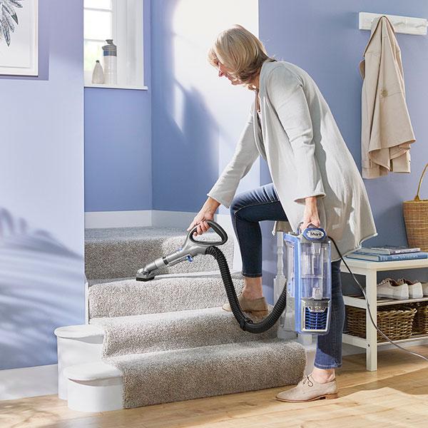 Shark Rotator Powered Lift Away Upright Vacuum Cleaner Nv680uk
