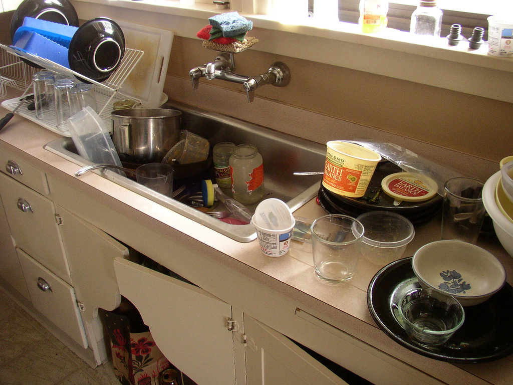 10 things you can do to keep your kitchen clean while for How to keep the kitchen clean