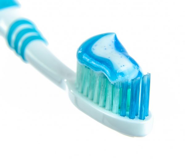 8 Surprising Uses for Toothpaste in Your Home