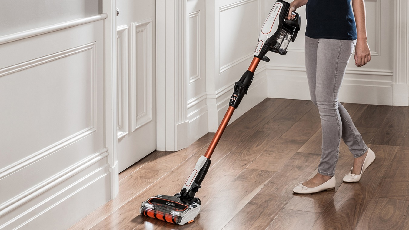 Hard Floor Cleaning with the Shark Cordless Vacuum Cleaner