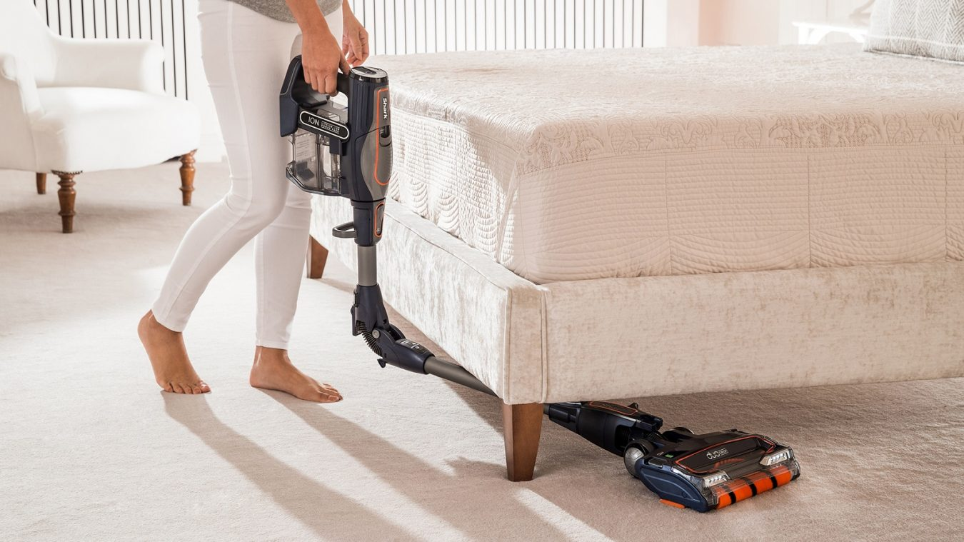 Under Furniture Cleaning with the Shark DuoClean Cordless Vacuum Cleaner IF250UKT