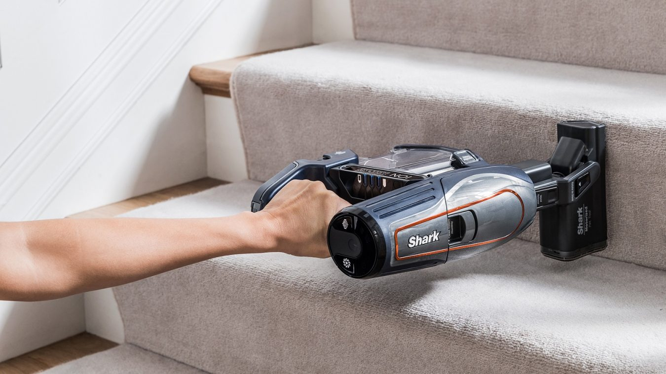 Stair Cleaning with the Shark DuoClean Cordless Vacuum Cleaner IF250UKT