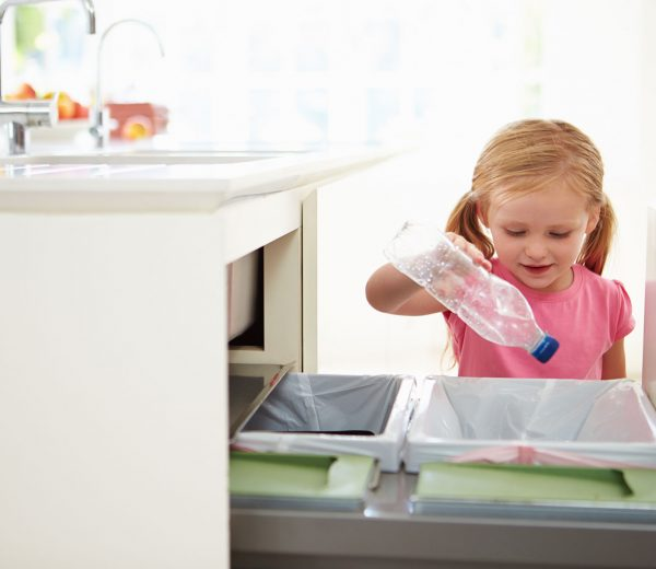 6 Ways to Entice Children to Clean in Your Home