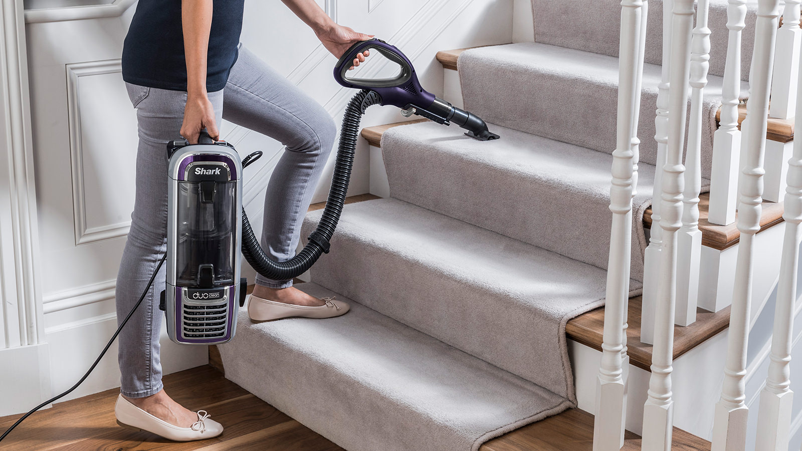 Shark Duoclean Powered Lift Away Plus Vacuum Cleaner Ax910uk