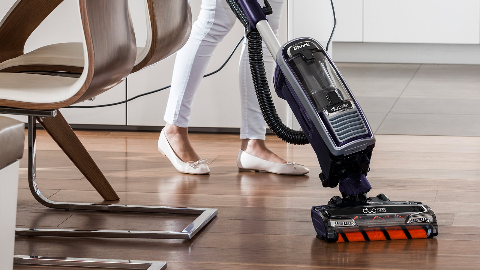 Easy to Use Shark DuoClean Upright Vacuum Cleaners with Powered Lift-Away AX910UK