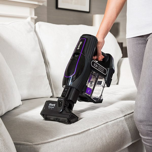 Cleaning Upholstery and Pet Hair with Shark Cordless Vacuum Cleaner IF130UKTH