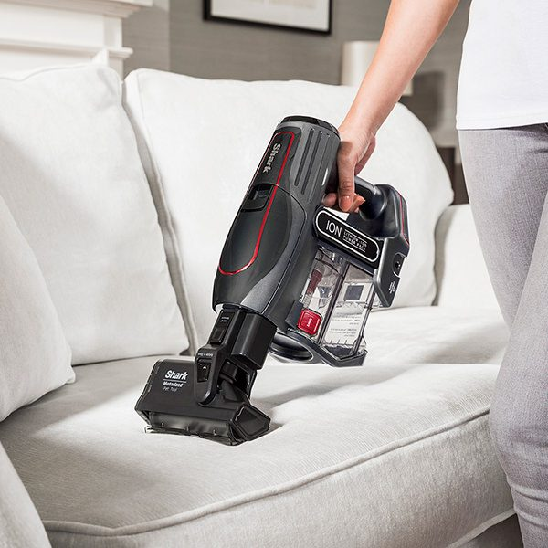 Cleaning Upholstery and Pet Hair with Shark Cordless Vacuum Cleaner IF260UKTH