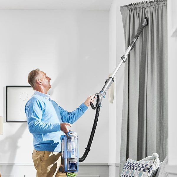 Versatile Cleaning with the Shark Powered Lift-Away Upright Vacuum Cleaner NV681UK