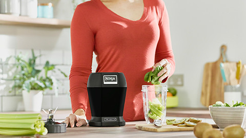 BL457UK-Nutri-Ninja-Lite-Blender-Smoothie-Maker-Lifestyle1