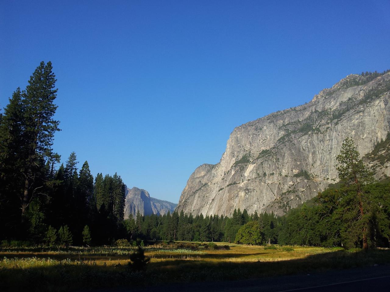 Ráno v Yosemitském údolí