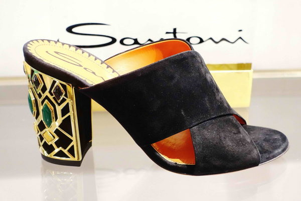 In Shops – Shoestosee 03dfbb52365f