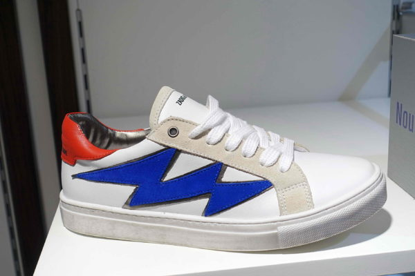 5ce358f17bab08 In Shops – Shoestosee