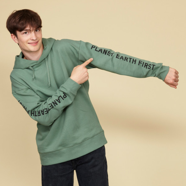 "Kapuzensweatshirt ""Planet Earth First"" schilfgrün"