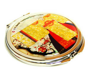 Compact mirror, mother of pearl gift, oriental Queen's gown