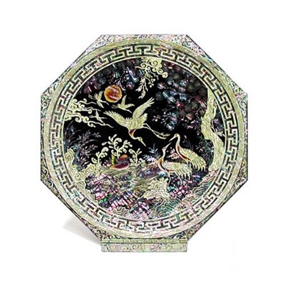 Octagonal mother of pearl inlaid lacquer display tray, black pine tree & cranes