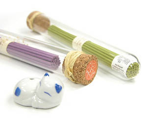 Incense, lavender, green tea aroma with sweet cat burner