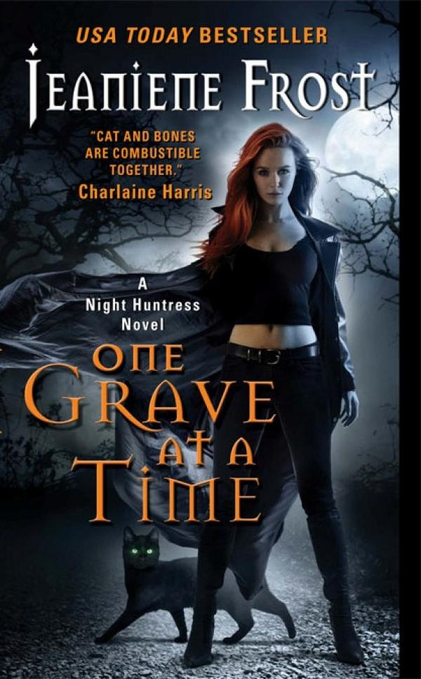 One Grave at a Time - Night Huntress #6 / Jeaniene Frost
