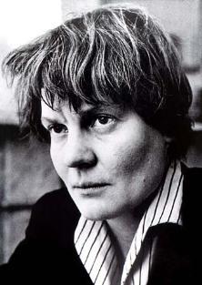 הסופרת אייריס מרדוק