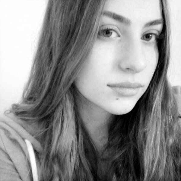 Isabella  בת 21 ממרכז