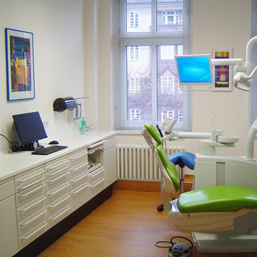 Zahnarzt Dr. Balbach, Breite Straße in Berlin