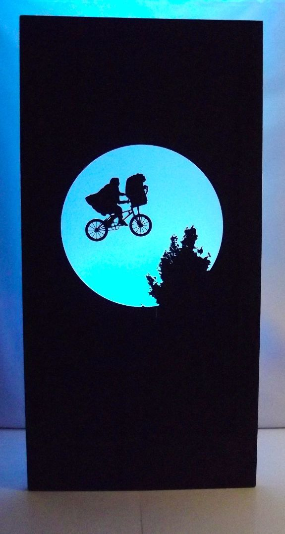 Hollywood – ET Silhouette Panel