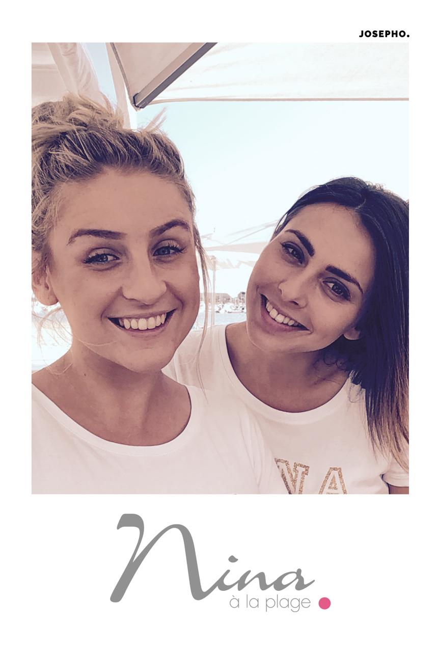 Une photo prise avec le photobooth de Josepho sur la terrasse du Nina à la Plage montre deux amies en train de sourire. La photo est personnalisée avec le logo du Nina à la Plage.