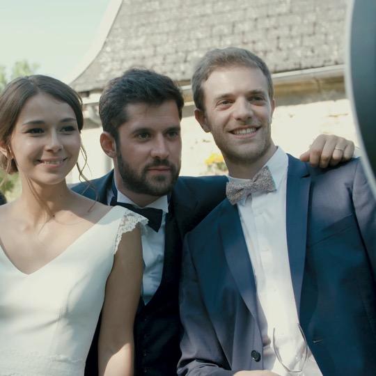 Image de l'article Pourquoi choisir le photobooth comme animation de mariage : témoignage de Lise & Antoine