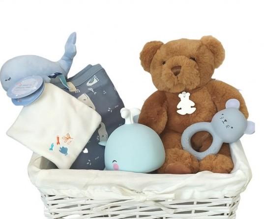 Idee cadeau baby shower : le panier surprise