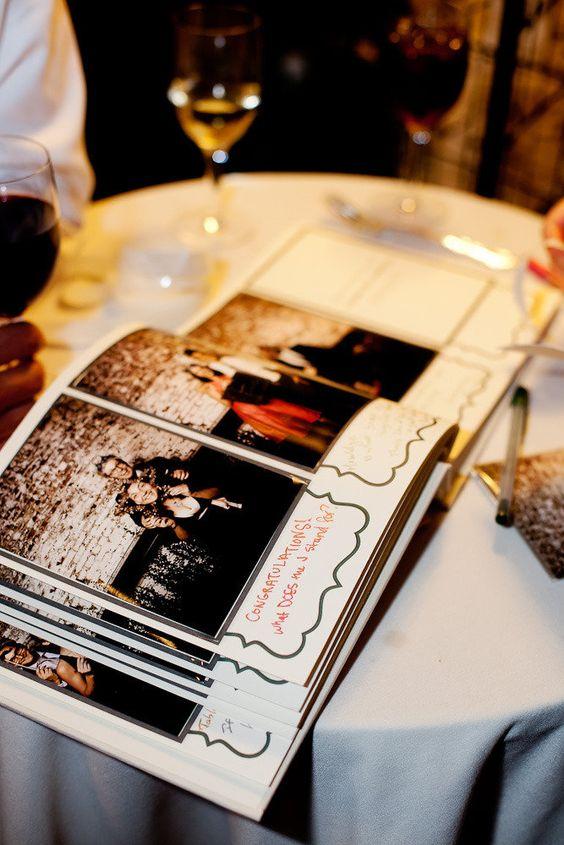 Accessoires photobooth : un livre d'or avec des photos des invites