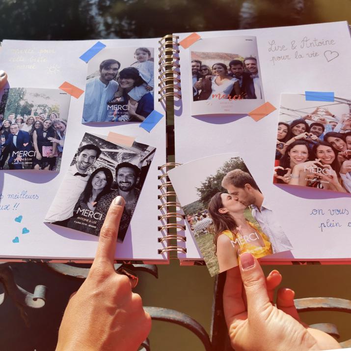 A l'occasion d'un mariage, plusieurs photos prisent par le photomaton de Josepho sont collées dans un livre souvenir.
