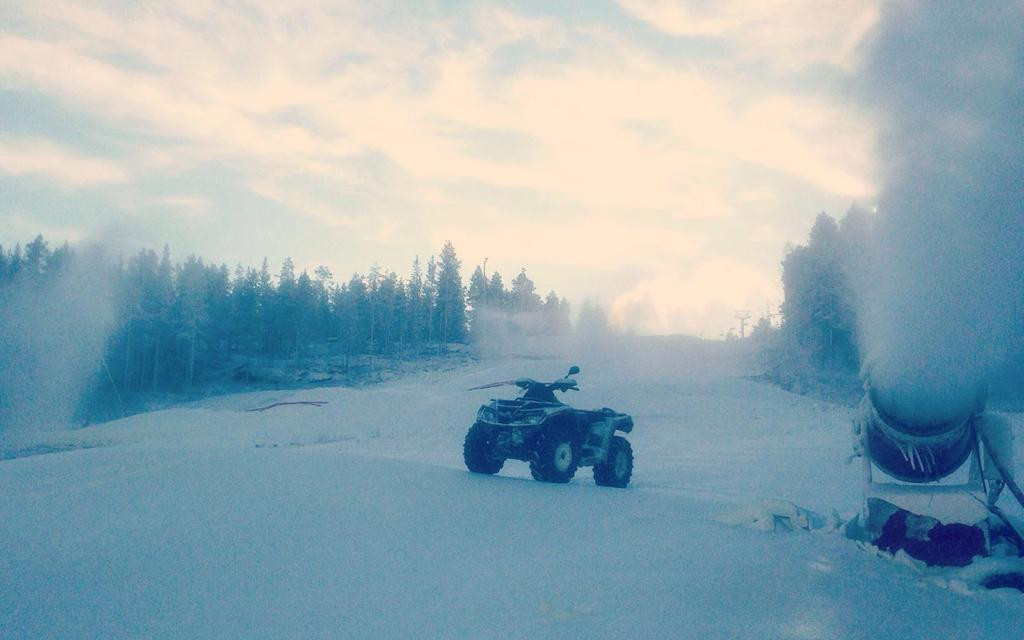 Ounasvaaralle on tehty tällä viikolla lisää lunta.