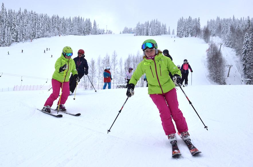 Lady Camp Tahkolla, johdossa kurssin opettajat Kaisa Kajan ja Kati Koskinen. Kuva: Jukka Pelkonen