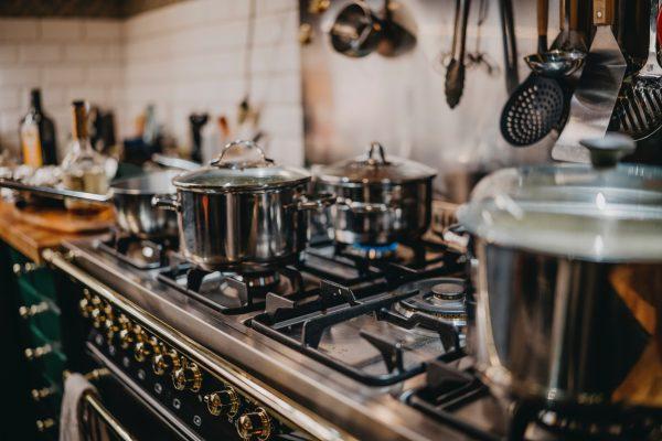Gas powered hob in kitchen