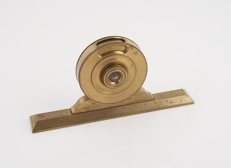 Balance level type clinometer, French, 1850-57 | Science Museum