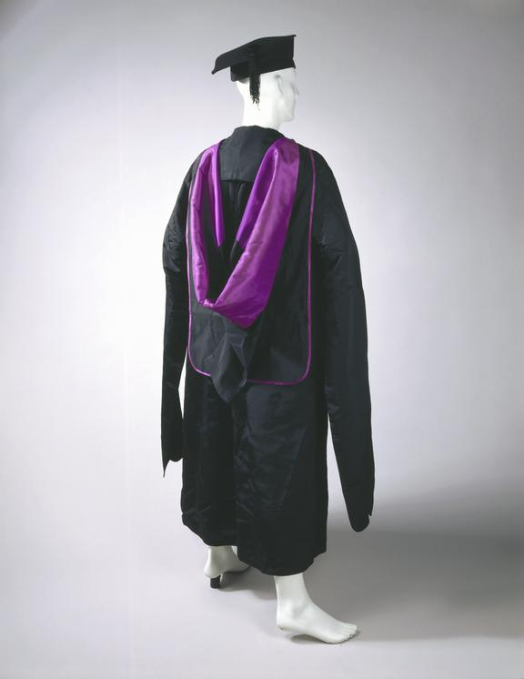 Academic gown, hood and mortar board, 1895. | Science Museum Group ...
