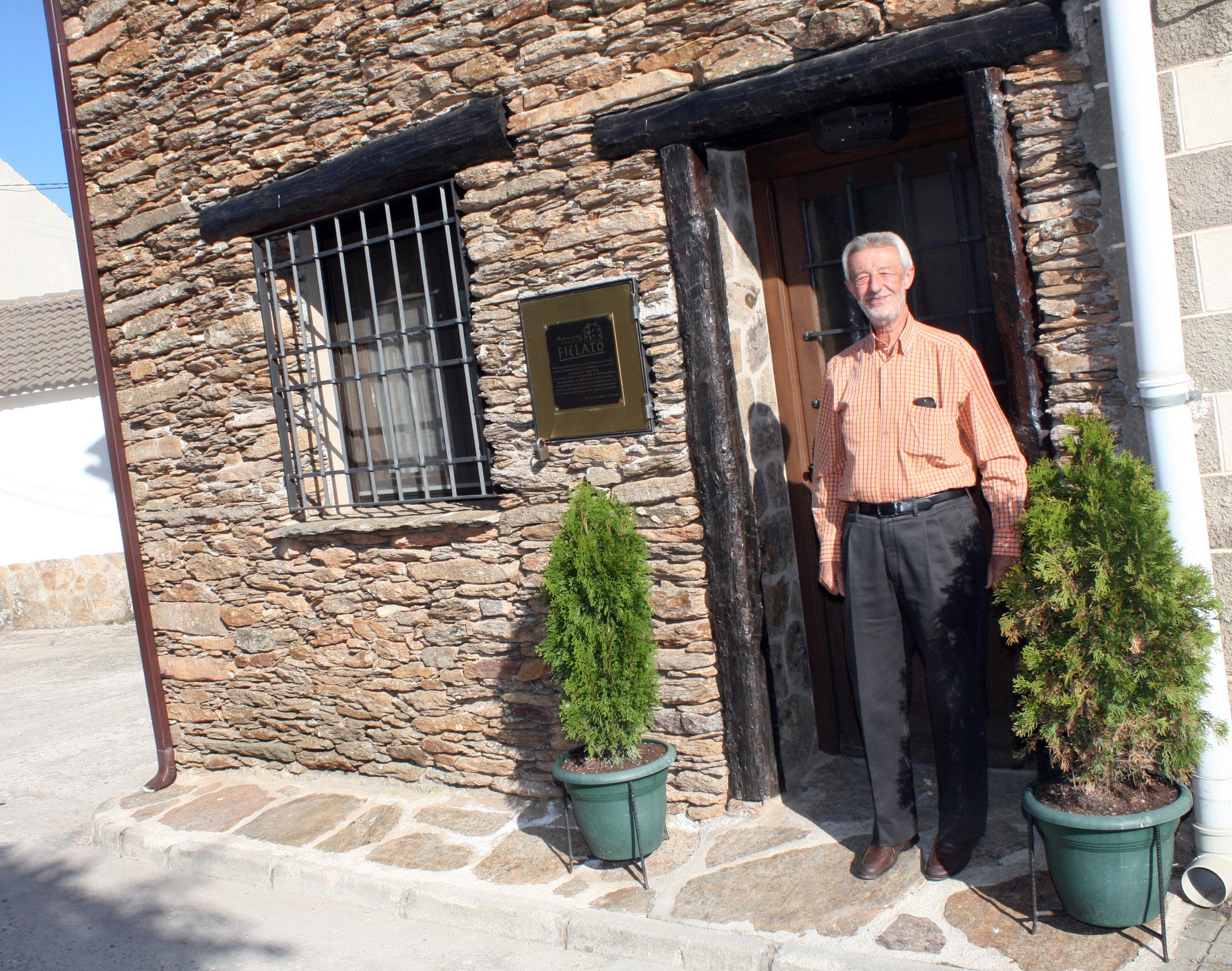 Las minas podr an volver a generar riqueza en hiendelaencina adel sierra norte - Casa rural hiendelaencina ...