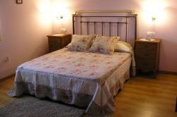 Habitación Doble con cama de matrimonio de 135 cm