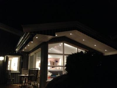 bilde av hytte med downlights - referanseprosjekt