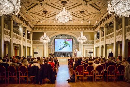 Bilde fra Gamle Logens Store Sal i konferanseoppsett