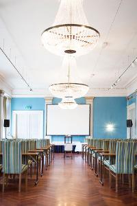Konferanselokaler Oslo. Bilde fra Gamle Logens 1. etg. Strangersalen i konferanse oppsett