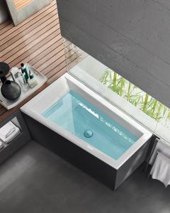Nova 160x9070 badekar med sorte panel.png