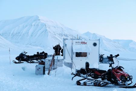 kabin Svalbard scooter1.jpg