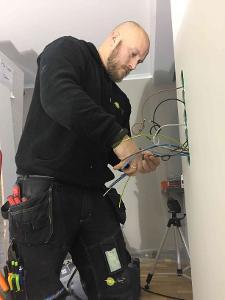 Bli elektriker
