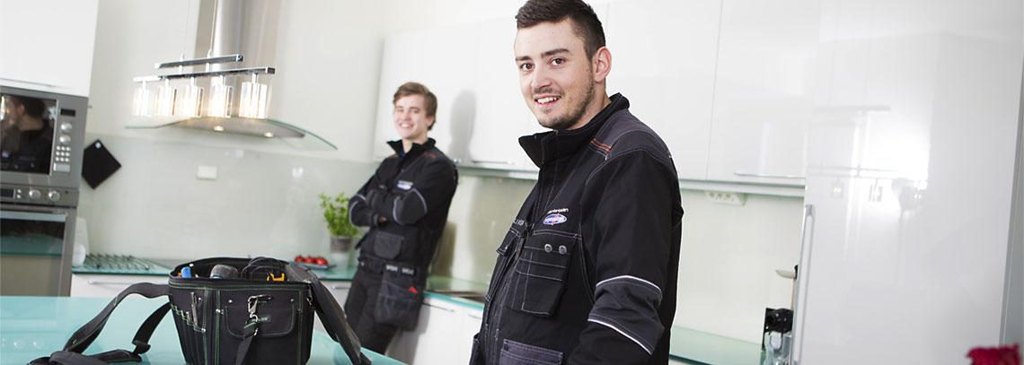 Elektrikere fra Norgeseliten i arbeid med råd til ENØK