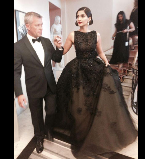 Sonam Kapoor at Cannes | Style Tips We've Picked Up From Sonam Kapoor