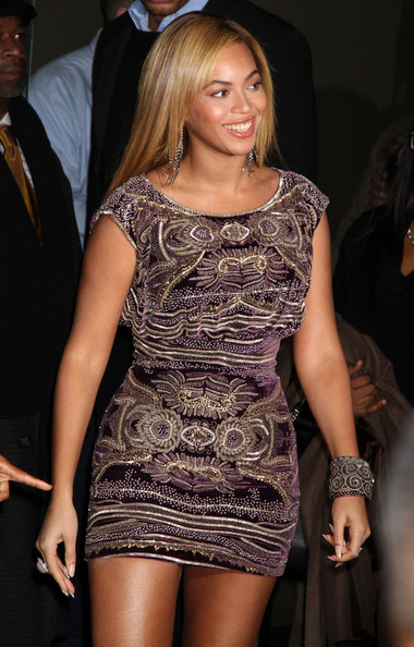 Beyonce Knowles Wearing Naeem Kham | Hollywood Celebrities going GaGa over Indian Designers!