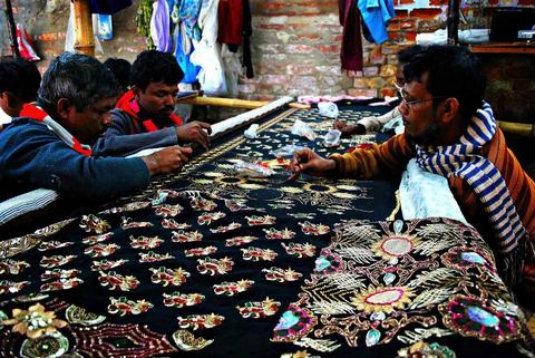 Dabka Embroidery - Craftsmen at work